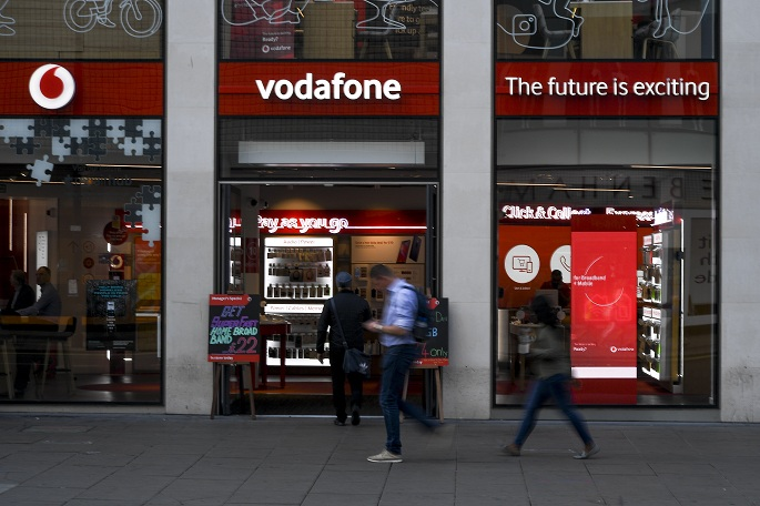 Vodafone launches 5G service in UK using Huawei equipment