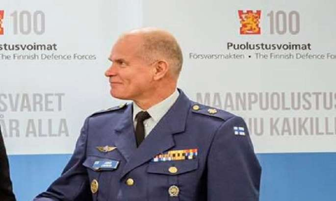 Defense Chief Lindberg not to seek a second term
