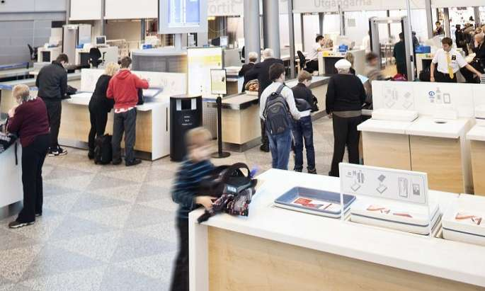Helsinki Airport to pilot allowing liquid in hand luggage